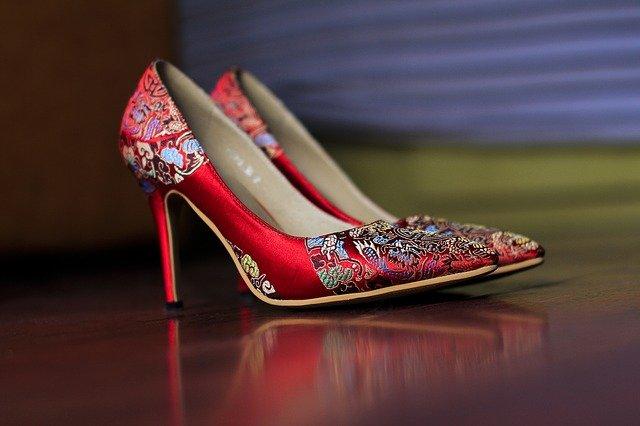 Schuhe für Frauen große Größen